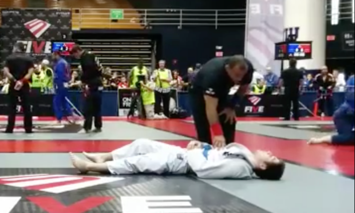 Crazy Loop Choke Of Death From Standing Putting Opponent To Sleep At Bjj Tournament